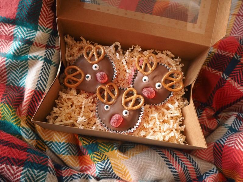 reindeer-christmas-cupcake